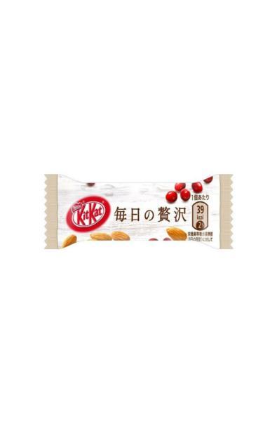 KitKat Daily Luxury - Żurawina i migdały